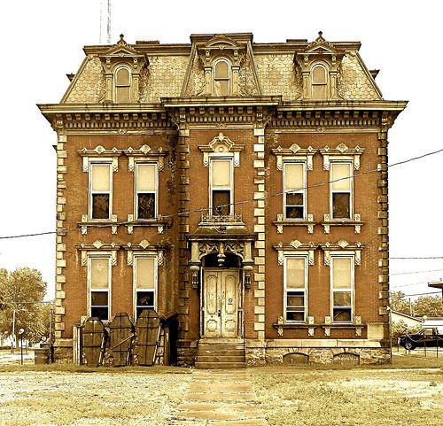 Whitley County Jail - soooooooooooooo coolio..............Sheriff's Residence, Columbia City, IN