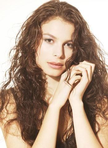 Hairworld.se frisyrbild 2015 - Frisyrbilder - Kvinnor lockigt hår frisyrbild nummer 379
