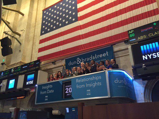 D&B cumplió el pasado 20 de julio su 175 aniversario. Tuvieron la suerte de poder tocar el  New York Stock Exchange tocando la campana de cierre!