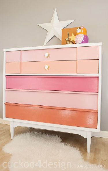 http://www.vivaciouslyvintage.com/2015/05/crazy-for-coral-painted-furniture.html