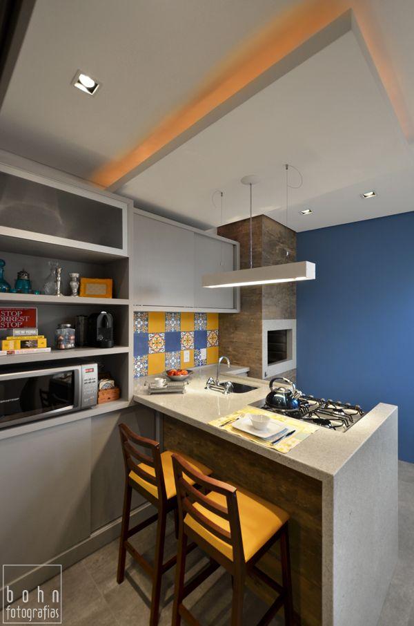 Cozinha com ilha e bancada churrasqueira nova - Ladrillo hidraulico ...