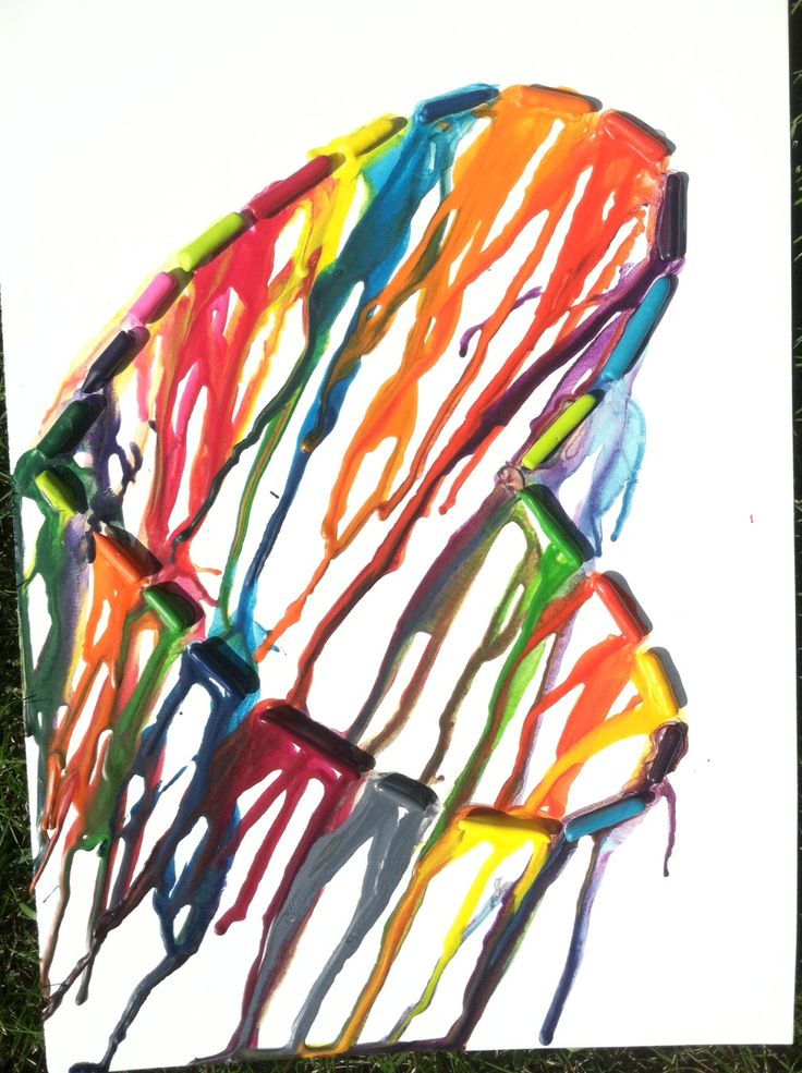 Melted Crayon Art. This is cool, I'm not big on the heart shape, but doing it in a different shape would be cool.