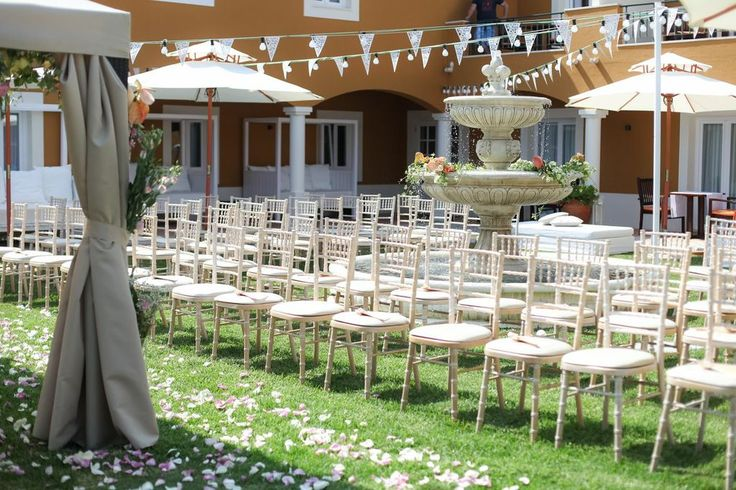 Senhora da Guia is a beautiful Boutique Hotel with experienced staff and a perfect location for your destination wedding by the sea!  For more information, please email us at: info@lisbonweddingplanner.com #senhoradaguia #weddingplanners #cascais #guincho #casamentonapraia #casamento #wedding #weddingbythesea #weddingbeach #weddingportugal #portugalwedding #weddingabroad #weddingdestination