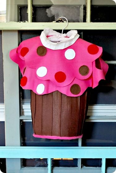 "DIY Cupcake Costume - ""no sew"""