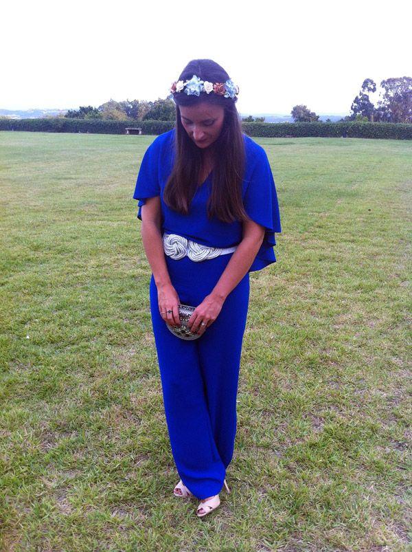 #MonoAzul más #CoronaFlores. #SandaliasNude, de Zara, #cinturónPlateado, bolsito de Blanco y la corona de flores de Virvin, todos los complementos que daban al mono azul el toque que se necesita para ser un buen estilismo de #invitadaBoda. #ElRinconDeModa #erdm
