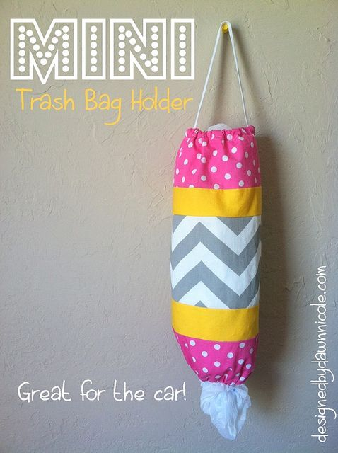 Mini Trash Bag Holder Tutorial. Perfect for the car and keeping up with the kid's messes!