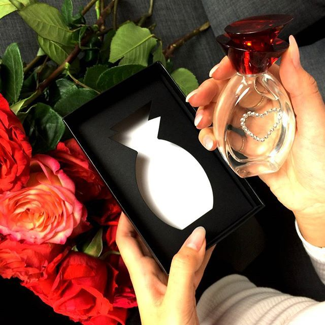 ❤ Dernière minute : la #sainvalentin c'est dimanche... Cette année, offrez-lui la possibilité de confectionner sa #fragrance personnalisée : choisissez notre coffret parfum sur-mesure en partenariat avec #Unique ! #exclusivité #parfum #instaparfum #instaperfume #perfume #surmesure #parfumpersonnalisé #beautiful #beauty #instabeauty #instabeaute #beaute #potd #picoftheday #photodujour #photooftheday #stval #stvalentin