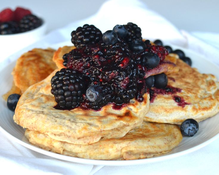 healthy pancake (http://www.fitgirlcode.com/healthy/healthy-pancakes/)
