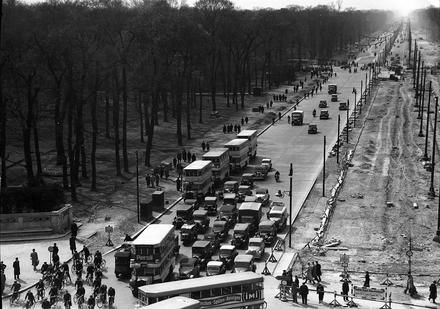 Berlin: Ost West-Achse vom Brandenburger Tor April 1938