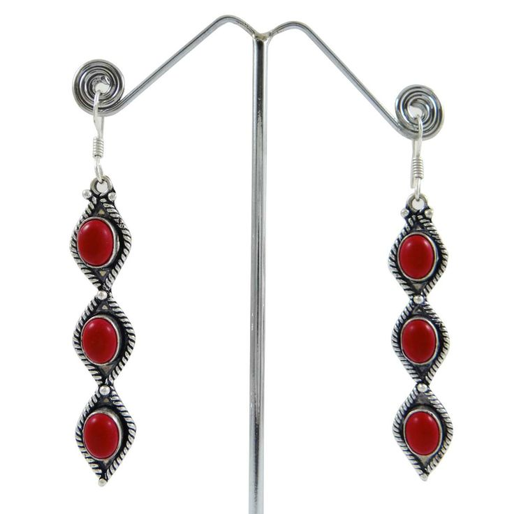 This is a beautiful silvertone oxidized metal dangle earring set. It is very fashionable jewelry. ..this is img