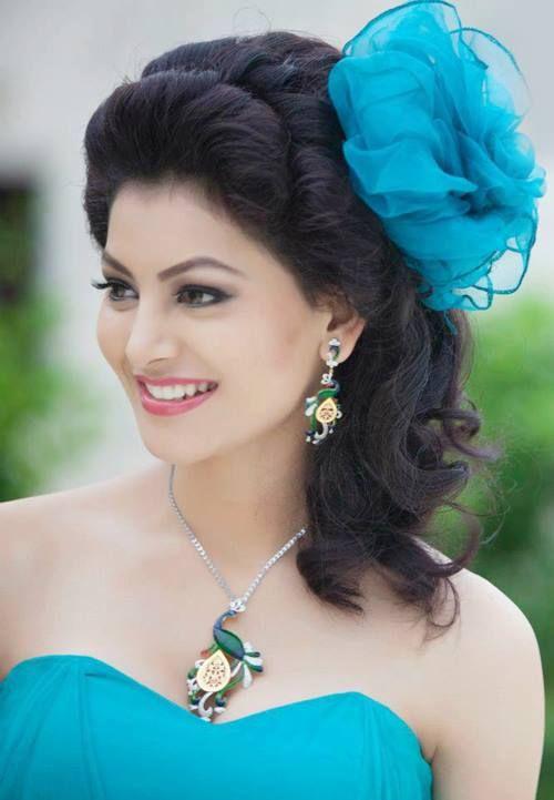 Urvashi Rautela #Bollywood #Fashion #Style #Beauty