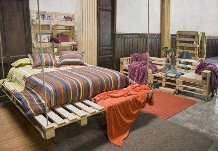Podwieszane łóżko z palet