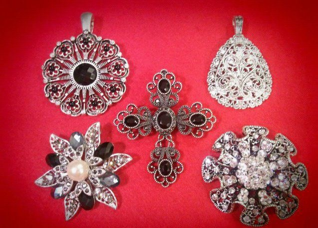 PD Enhancers have a magnetic closure, so you can add to even the chunkiest necklaces.: Chunkiest Necklaces Premier, Necklaces Premier Designs, Chunkiest Necklaces Repin, Design Jewelry, Add, Amber Jewelry, Clothing Jewelry Hair My, Necklaces Repin By Pinterest, Designs Jewelry