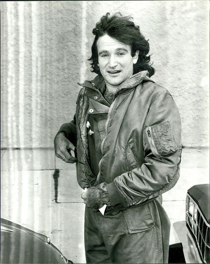 1983, Robin Williams shopping in Bevely Hills