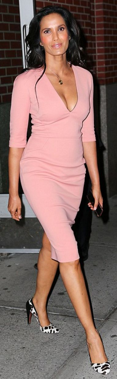 Who made Padma Lakshmi's pink sleeve v neck dress