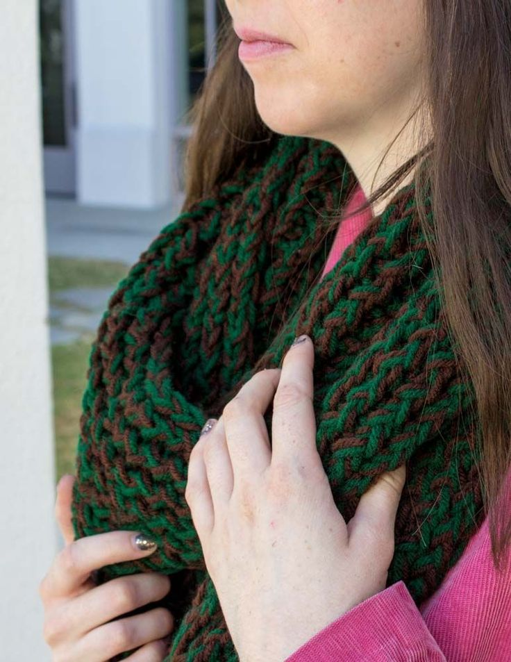 Infinity Scarf Loom Knitting Pattern For Beginners : 1000+ ideas about Loom Knitting Scarf on Pinterest Loom ...