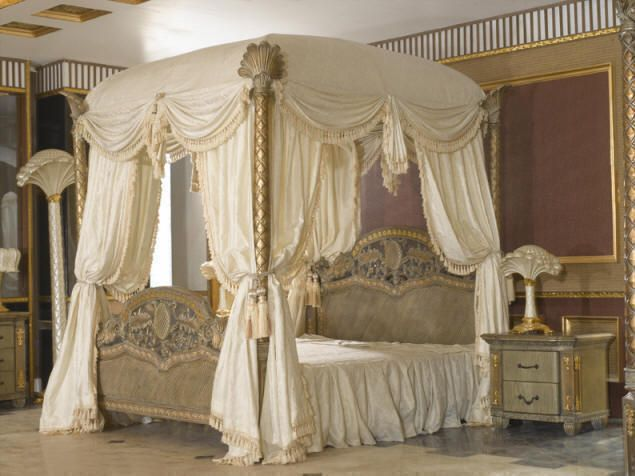 17 best images about canopy bed drapes on pinterest - Canopy bedroom sets with curtains ...