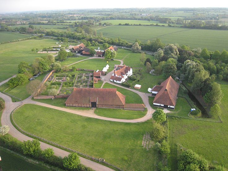 : : essex : : Dating from the 12th century, the two barns at Cressing Temple mark the site of the first Knights Templar lands recorded in England and are probably the finest remaining barns in Europe.