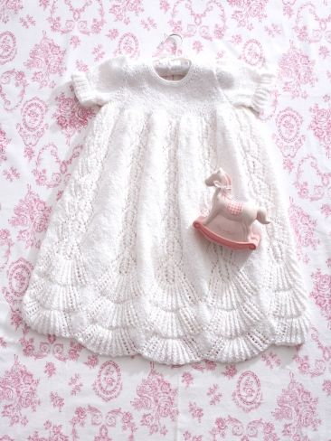 Christening Blanket Knitting Pattern : 64 best images about Knitted christening gowns on Pinterest Knitting patter...
