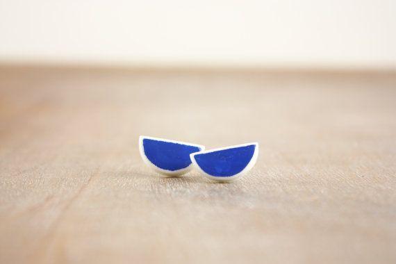Contemporary semi circle minimalistic clay by debroervandevogel