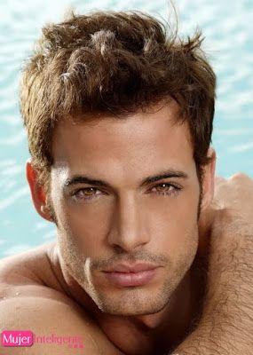 William levi con ojos marron claro muy bonitos