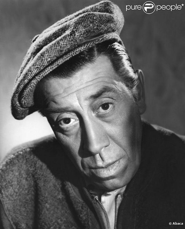 Fernandel (1903-1971) - Fernandel, de son vrai nom Fernand-Joseph-Désiré Contandin, est un chanteur, acteur et réalisateur français né le 8 mai 1903 à Marseille (Bouches-du-Rhône) et mort le 26 février 1971 à Paris - Source : Wikipedia -