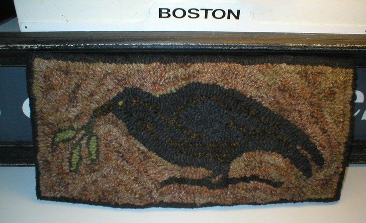 Primitive Folkart Folkay Olde Crow/ Olive Branch   Beacon Hill Collectibles  Primitive Hooked Rug.