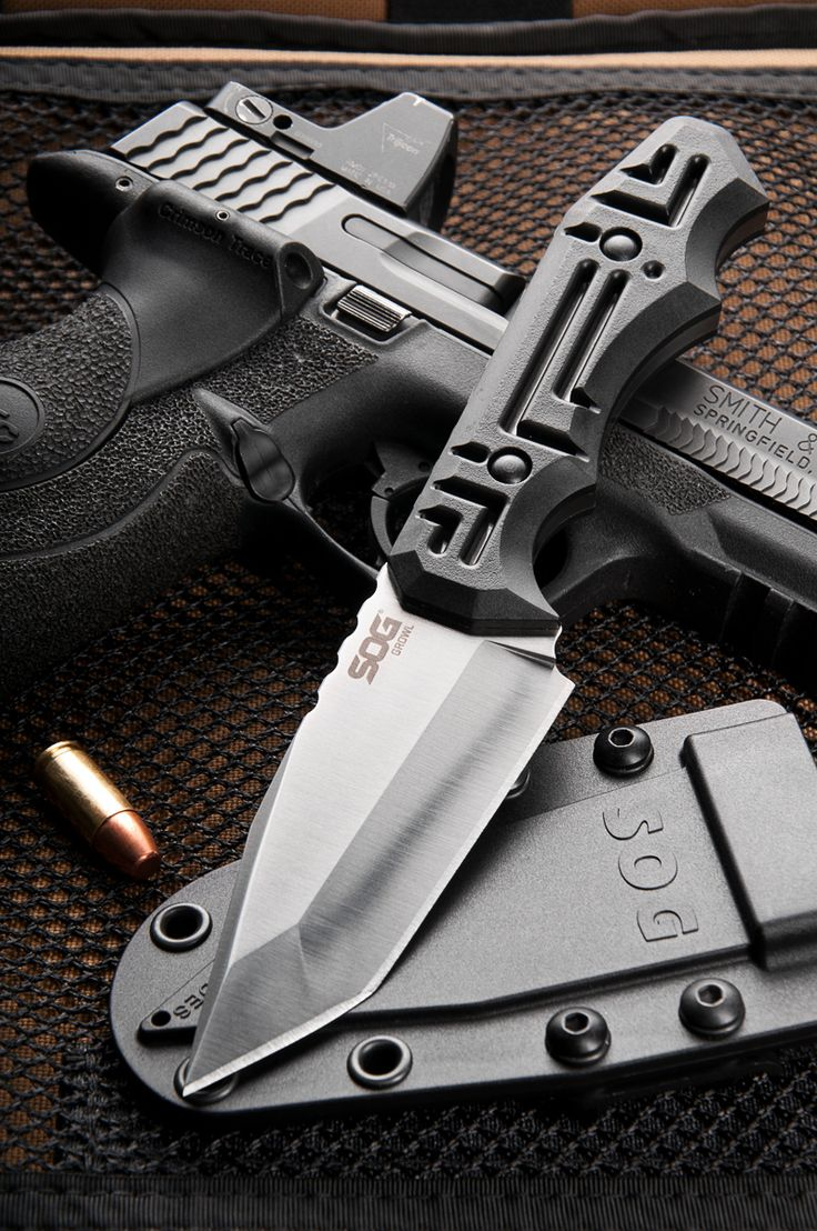 """SOG Growl, designed by knife maker Jason Brous. Total Length: 8.1"""" Blade Length: 3.6"""" Weight: 5.40oz. Blade Thickness: .25"""" Steel Type: 9CR18MOV. Photo by Nick Parker Photo"""
