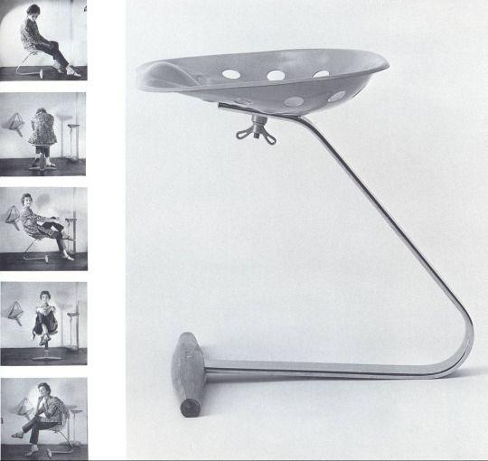 Mezzadro - zanotta 1969 - sgabello che Achille e Pier Giacomo Castiglioni progettarono nel 1957, l'idea era di utilizzare il sedile di un trattore agricolo.