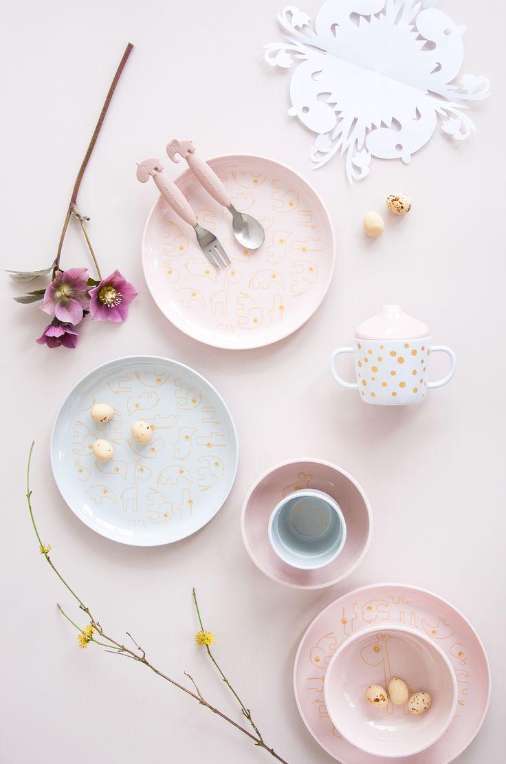 Easter craftings for kids and golden dinnerware for a sparkling easter dinner.