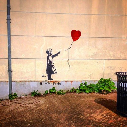 I'm not convinced this is real Banksy #StreetArt… but who cares? ►  | #Instamooiness #Mooiness