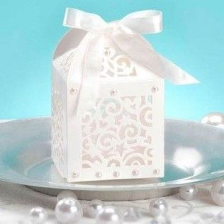 http://www.mariage-original.com/13444-thickbox/boites-a-dragees-lanternes-originales-par-12.jpg
