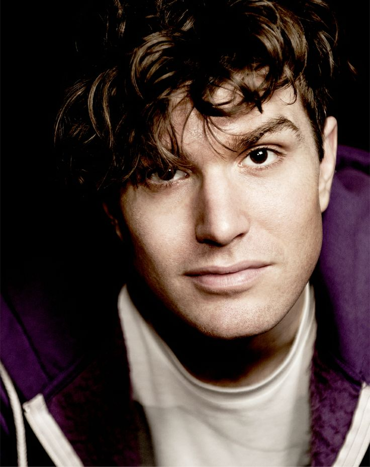 joel dommett, this guy is hilarious :) saw him live when i went to nick grimshaw's show, and his onion story will forever be the highlight of my life.