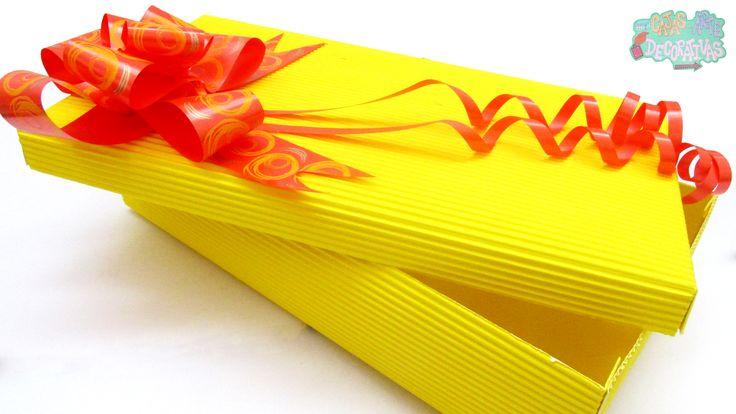 Caja de cartón corrugado color amarillo, muy estilo otoñal y del mes de halloween para una sorpresa muy cajista !