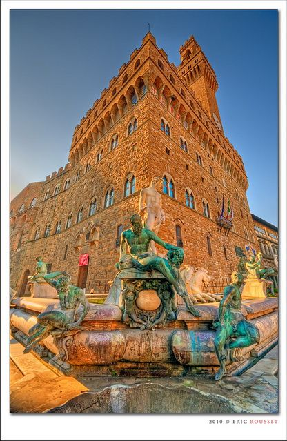Fountain of Neptune @ Piazza della Signoria, Florence  To the right (out of view) copy of David. Further right, Hercules.