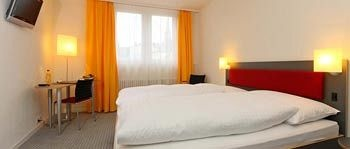 Hotel Kreuz Bern, ZEUGHAUSGASSE 41, BERN, CH 3000, Switzerland.  #travel