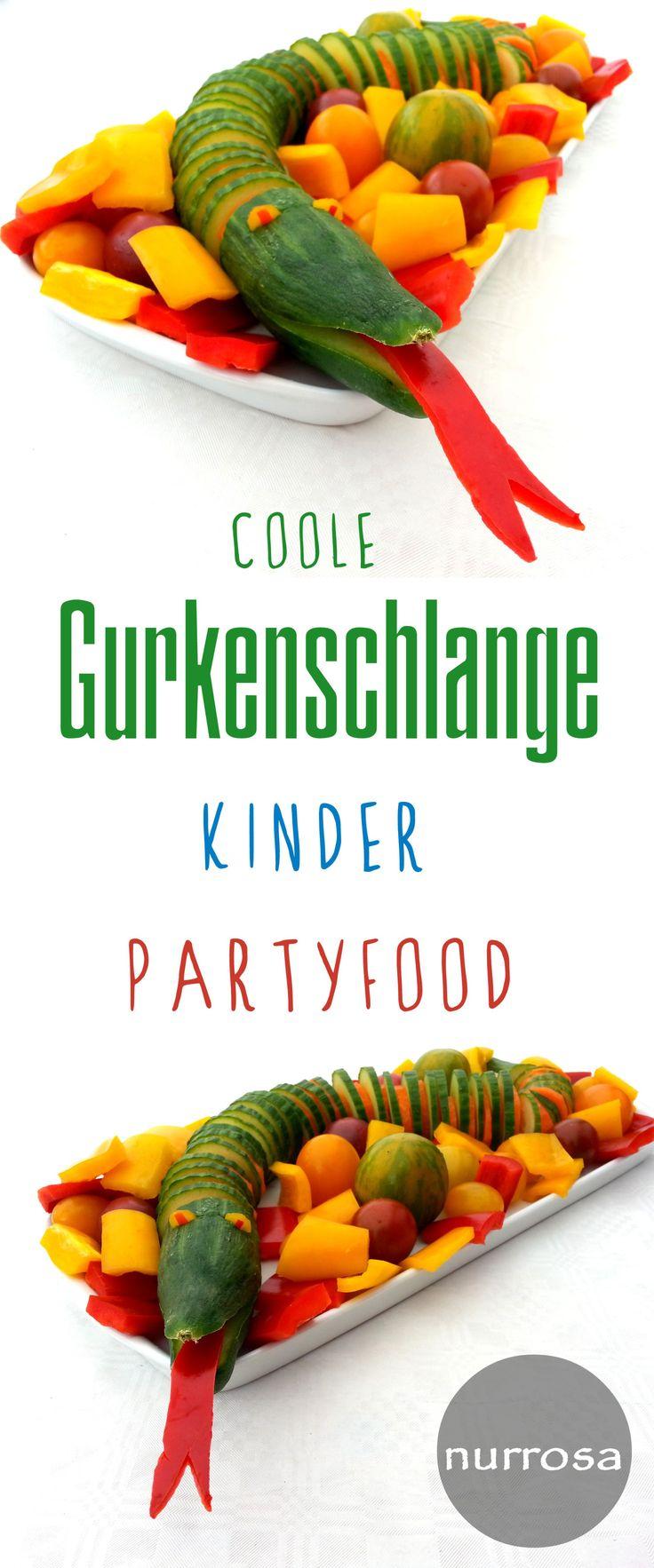 Gurkenschlange Kinder Partyfood #vegan #vegetarisch #Rezept #Party #Kinder #Food #Kids #Geburtstag #Buffet #Kindergarten #Partyfood
