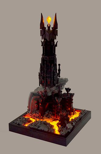 Lego Barad-dûr, Sauron's tower, from Lord of the Rings by Ian Spacek. Amazing lava effect