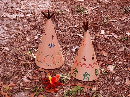 The tiny teepee crafts on this list are cute and easy for any toddler to make!  #thanksgiving #craft #kids #teepee #holiday