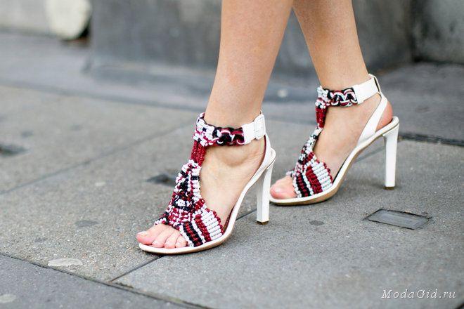 Уличная мода: Уличный стиль недели моды в Париже: детали