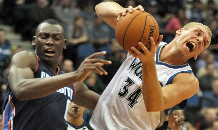 Report: Greg Stiemsma signs training camp deal with Trail Blazers = Free agent center Greg Stiemsma is close to signing a training camp deal with the Portland Trail Blazers, according to The Vertical's Adrian Wojnarowski. Since going undrafted out of Wisconsin in 2008, the.....
