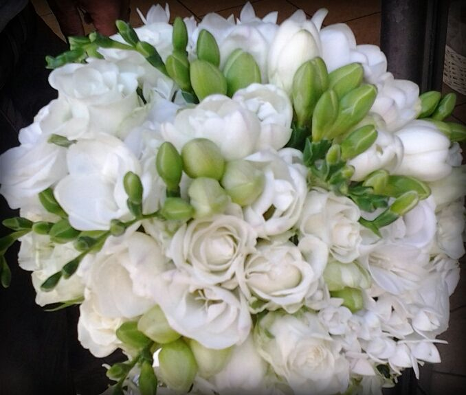 Wedding bouquet  white and green   Bouquet da sposa bianco e verde www.taniamuser.com
