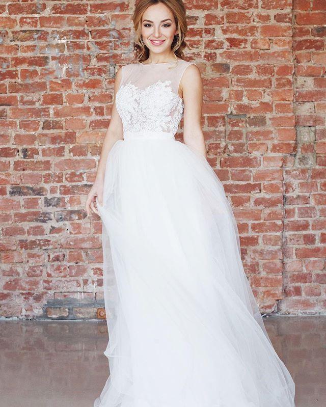 Девочки, лофты - очень красивое решение для свадьбы зимой и осенью а наше платье Melania идеально для этого подходит ждём вас на примерки❤️ #krasotaweddingdress