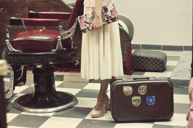 Romance in a barber shop.Floral clutch Sweetcase.