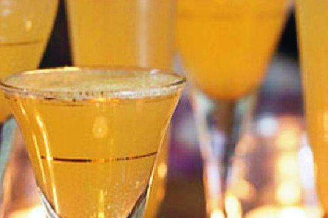 Šampaňský koktejl | Apetitonline.cz