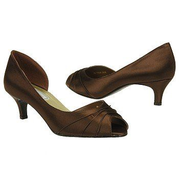 Touch Ups By Benjamin Walk Abby Shoes Brown Women S Wedding 7 0 Low Heel Bridal Shoeschocolate