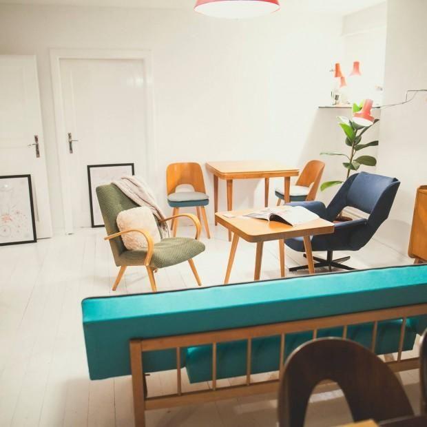 Unikatowa kanapa z lat '60. Mebel po renowacji tapicerskiej.