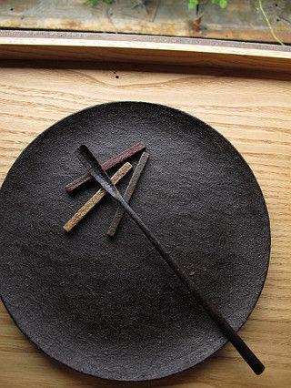 ♂ still life pottery Japanese  (via  木と話がしたい、)