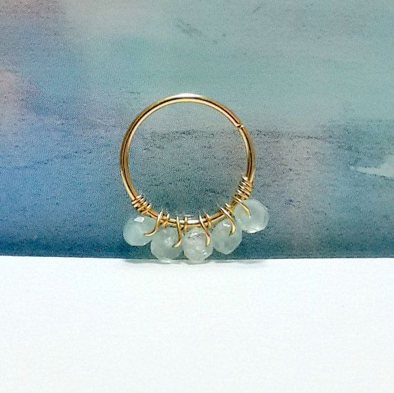 Edelsteen: aquamarijn 2mm septum ring neus door HelenCollectionJewel