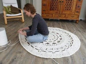 Featured: Giant Doily Rug that uses 10mm upholstery piping as yarn.